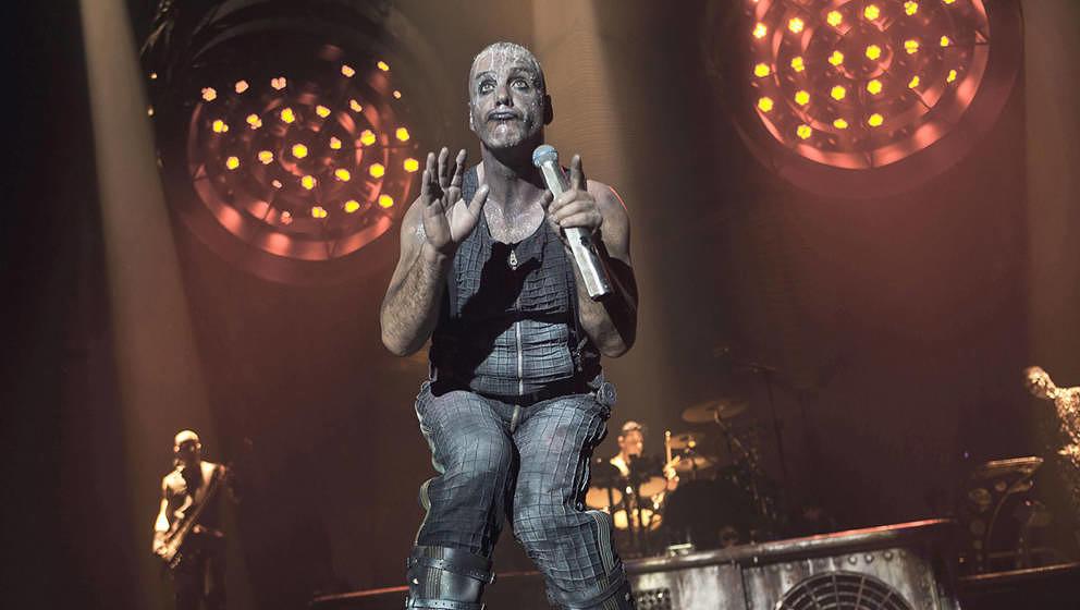 Till Lindemann mit Rammstein bei einem Live-Auftritt 2012