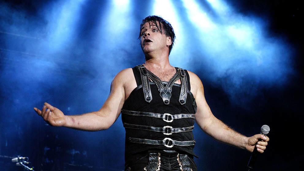 Till Lindemann von Rammstein bei einem Live-Auftritt im Jahr 2005