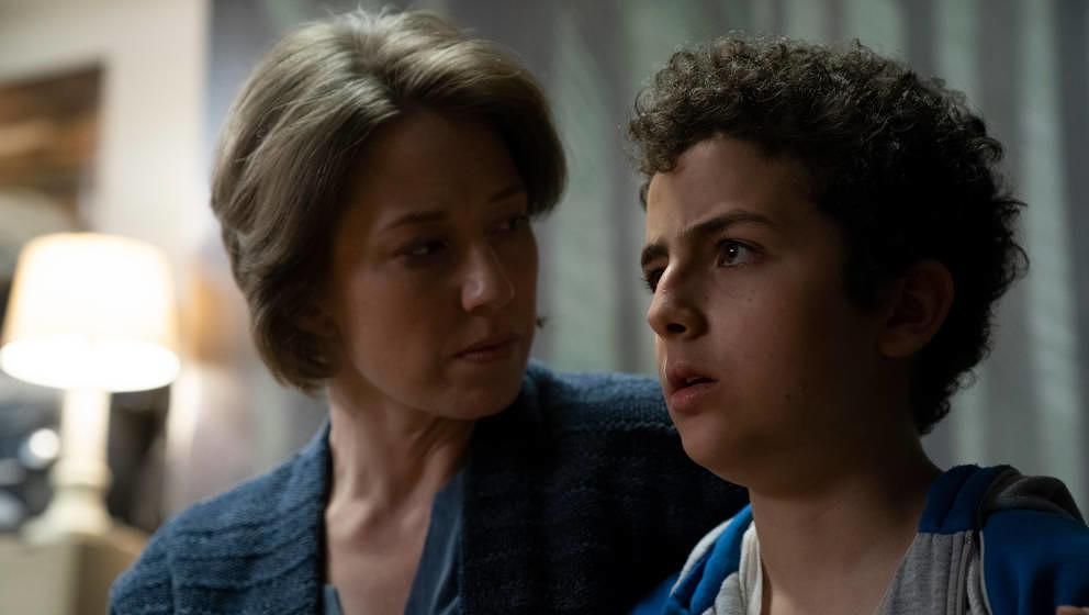 """Eine Szene, deren erklärende Bildunterschrift der Rollen schon zu viel verraten würde: Carrie Coon und Elisha Henig in der zweiten Staffel """"The Sinner"""""""