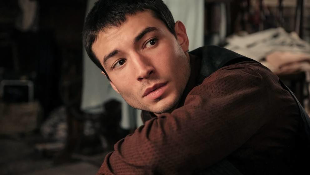 Credence wird von Ezra Miller gespielt.