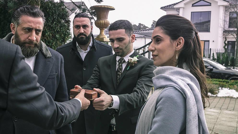 """Eine Hochzeit soll in """"4 Blocks""""Frieden bringen."""