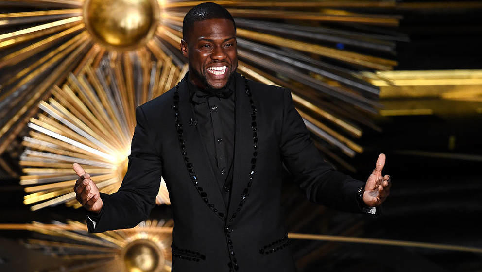 HOLLYWOOD, CA - FEBRUARY 28:  Actor Kevin Hart speaks onstage during the 88th Annual Academy Awards at the Dolby Theatre on F