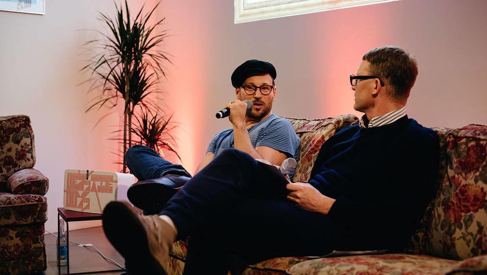 Beatsteaks-Sänger Arnim Teutoburg-Weiß im Gespräch mit Journalist Thomas Venker