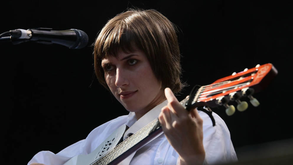 AUCKLAND, NEW ZEALAND - JANUARY 29: Aldous Harding performs at St Jerome's Laneway Festival on January 29, 2018 in Auckland,