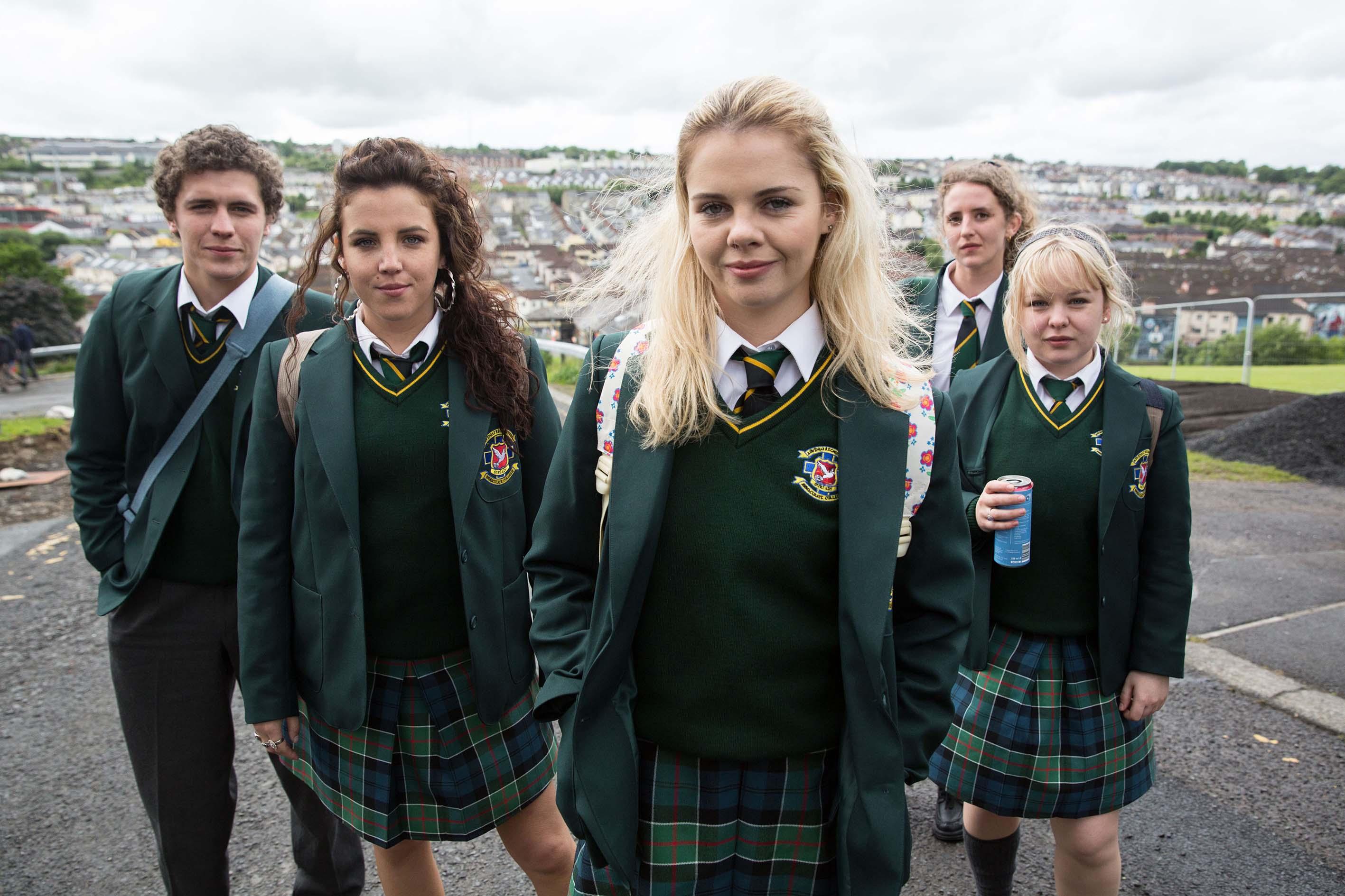Derry Girls Auf Netflix 90s Nostalgie Nonnen Und