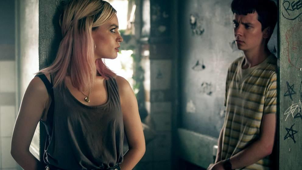 Emma Mackey und Asa Butterfield.