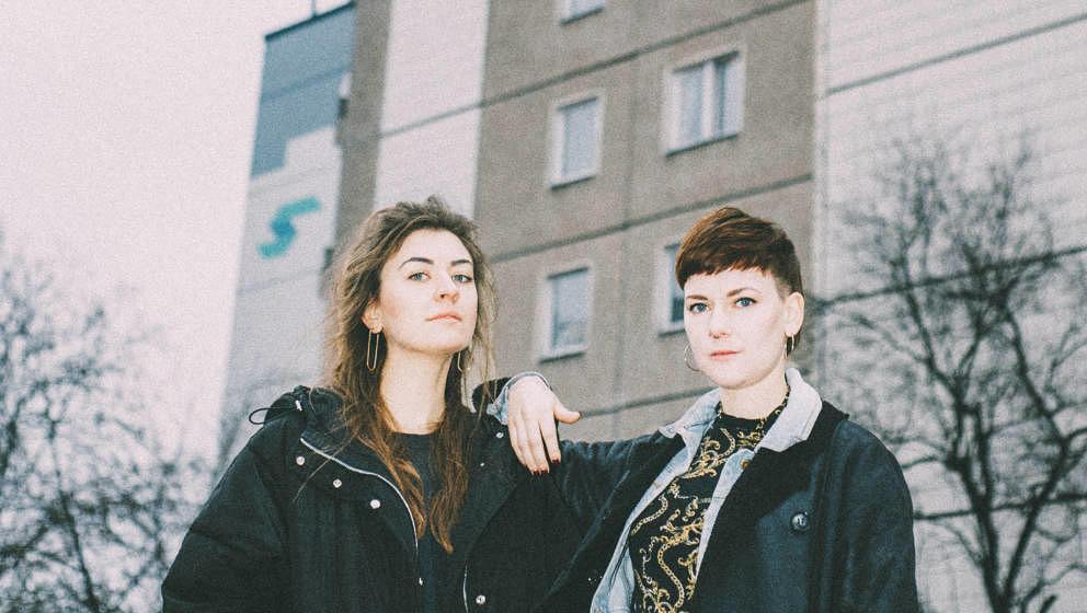 "Alles was im Pop gerade wichtig ist: Jördis Hagemeier und Laura Aha machen den Musikexpress-Podcast ""Music Sounds Better With ME"""