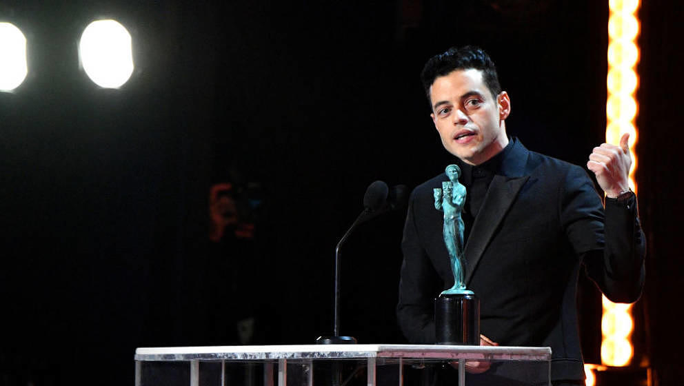 LOS ANGELES, CA - JANUARY 27:  (EDITORS NOTE: Retransmission with alternate crop.) Rami Malek accepts award during the 25th A