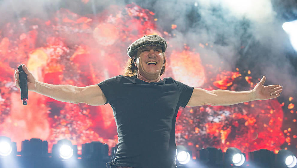 KANSAS CITY, MO - FEBRUARY 28:  Singer Brian Johnson of AC/DC performs at Sprint Center on February 28, 2016 in Kansas City,