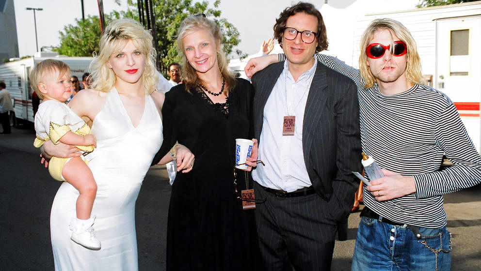 Kurt Cobain mit Manager Danny Goldberg, dessen Frau, Courtney Love und Tochter Frances Bean (v.r.) bei den MTV Video Music Awards 1993