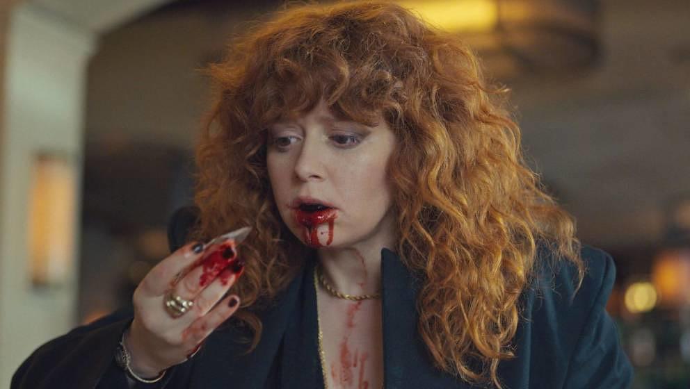 """Szene aus """"Matrjoschka"""": Nadia im zweiten Teil der Netflix-Serie, als ihr die Ursache ihres Schicksals zumindest dämmert."""
