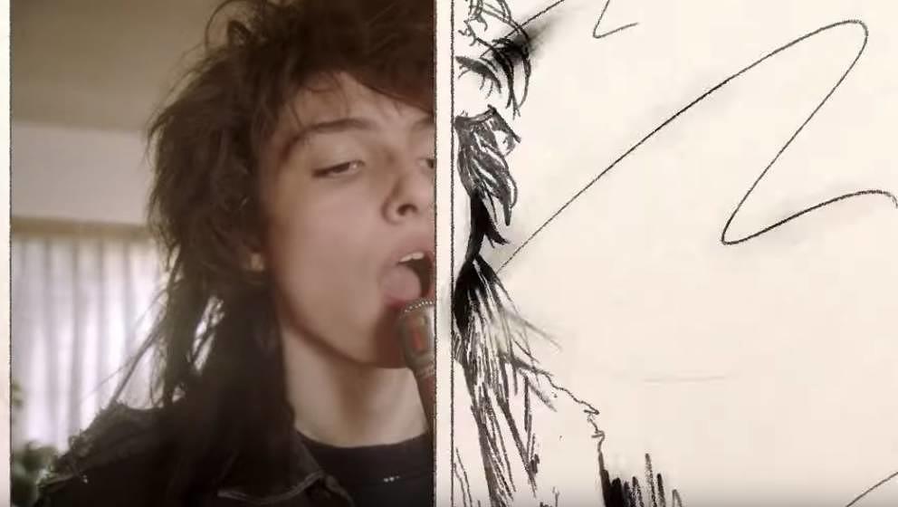 Finn Wolfhard in Weezers neuem Video