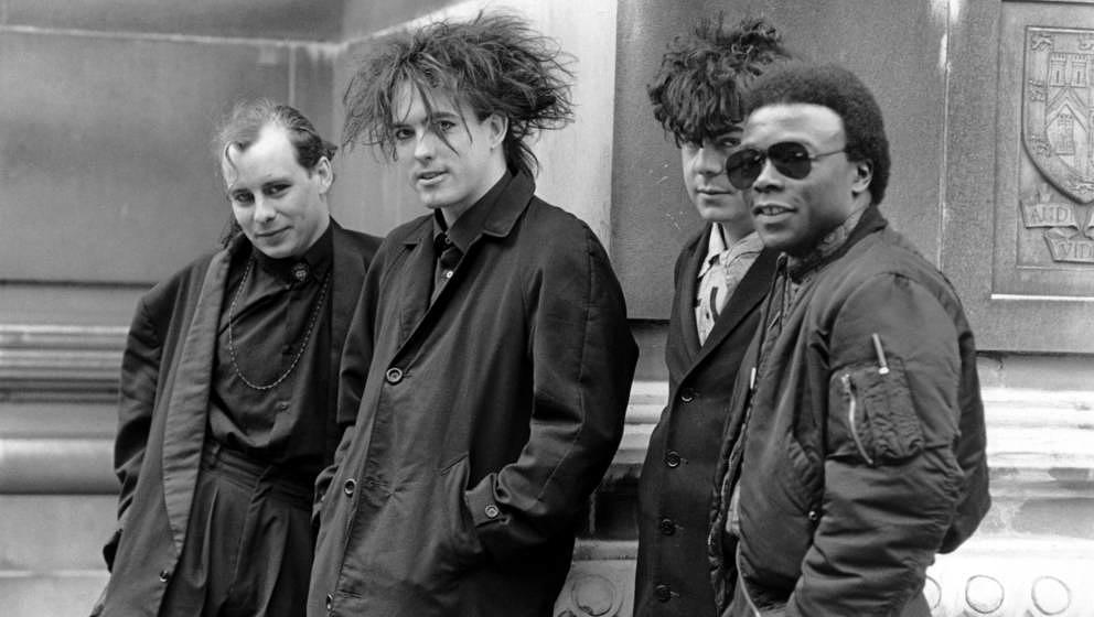 "Der frühere The-Cure-Drummer Clifford Leon ""Andy"" Anderson (rechts) starb am 26. Februar 2019 an den Folgen einer Krebserkrankung."