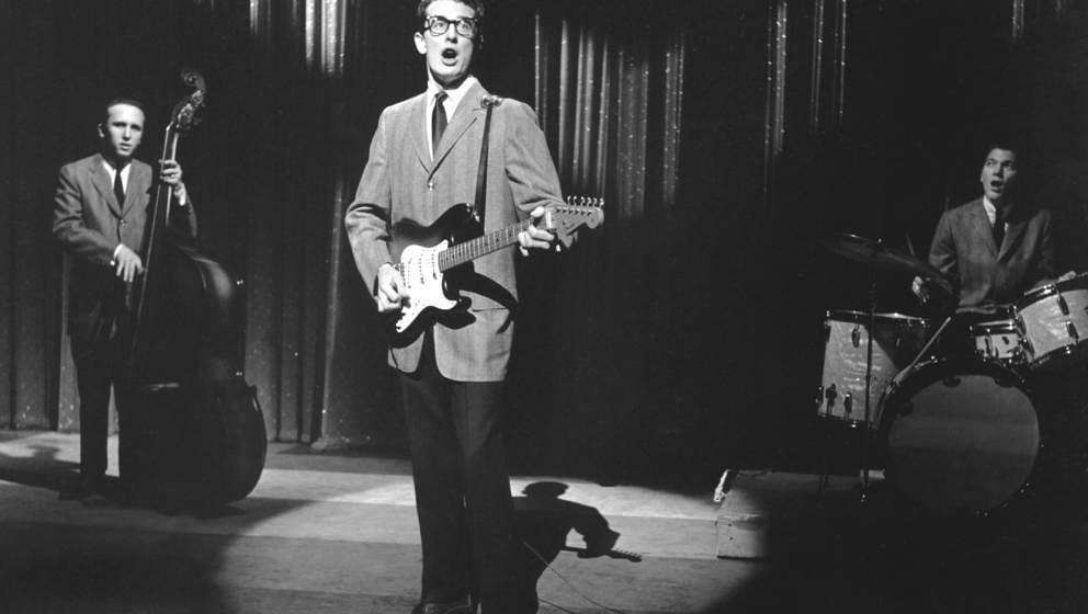 UNITED STATES - CIRCA 1958:  Photo of Buddy Holly & The Crickets  (Photo by Steve Oroz/Michael Ochs Archives/Getty Images
