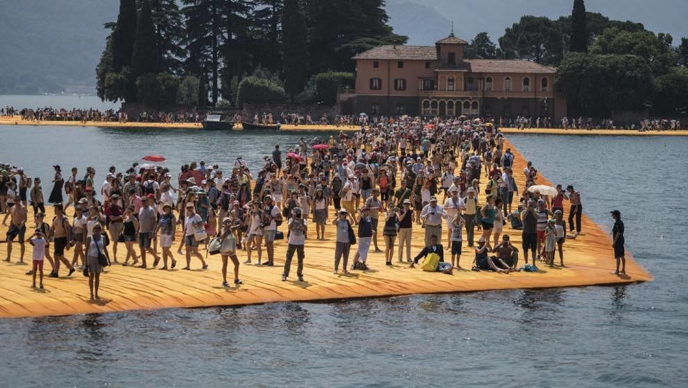 """""""Christo – Walking on Water"""" startet am 11. April im Kino."""