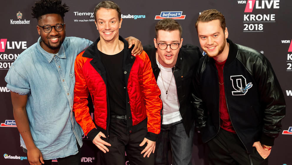 BOCHUM, GERMANY - DECEMBER 06: Alle Farben, Kelvin Jones and Younotus attend the 1Live Krone radio award at Jahrhunderthalle