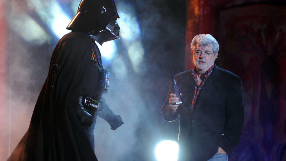 UNIVERSAL CITY, CA - OCTOBER 15:  Darth Vader accepts the Ultimate Villain award from George Lucas onstage during Spike TV's