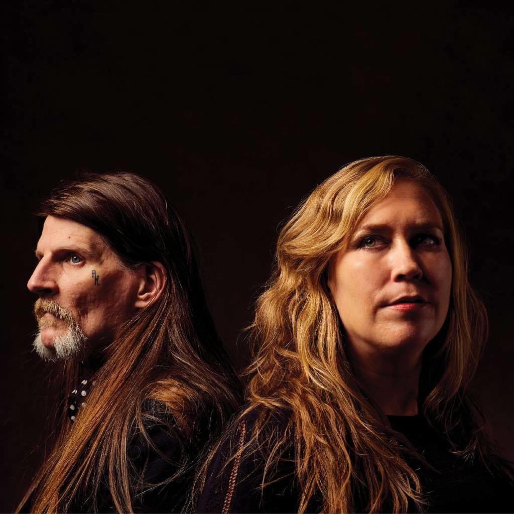 Earth: Full Upon Her Burning Lips (Kritik & Stream) - Musikexpress