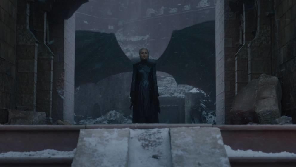 Konnte trotz symbolischer und tatsächlicher Rückendeckung niemals auf dem Eisernen Thron sitzen: Daenerys Targaryen.