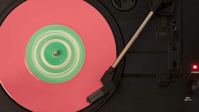 Auf Streamingdiensten gibt es sehr viele Alben, die es auch auf Schallplatte gibt. Viele aber auch nicht.