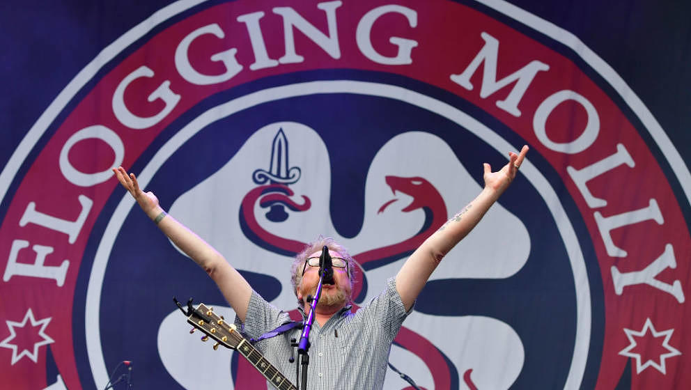 SCHEESSEL, GERMANY - JUNE 23:  Dave King of «Flogging Molly« performs at the Green Stage during the first day of the Hurric