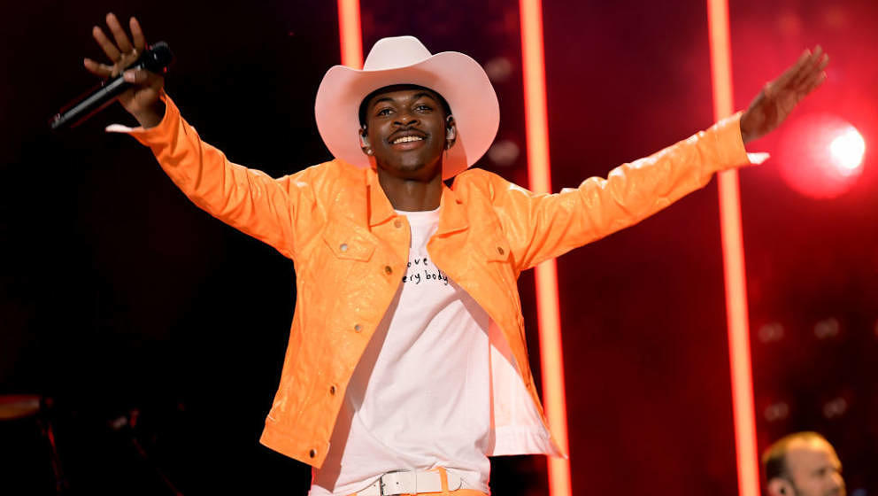 NASHVILLE, TENNESSEE - JUNE 08: (EDITORIAL USE ONLY) Lil Nas X performs onstage during day 3 of the 2019 CMA Music Festival o