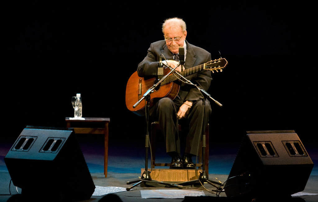 """Der brasilianische legendäre Musiker und Grammy-Gewinner Joao Gilberto (""""The Girl From Ipanema"""") starb mit 88 Jahren"""