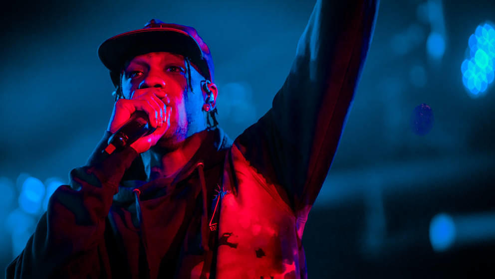 Travis Scott teilt neue Musik mit seinen Fans.