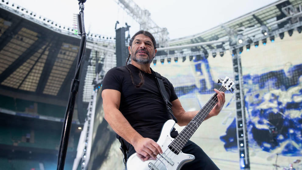 LONDON, ENGLAND - JUNE 20: Robert Trujillo of Metallica performa on stage at Twickenham Stadium on June 20, 2019 in London, E