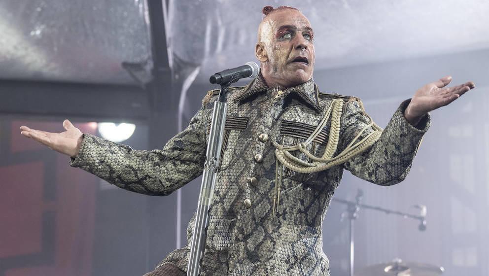 Fans diskutieren: Haben sich Rammstein zum Fall Carola Rackete geäußert? - Musikexpress