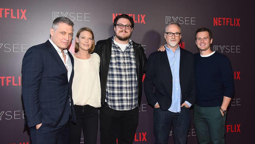 Holt McCallany, Anna Torv, Cameron Britton, David Fincher und Jonathan Groff im Juni 2018
