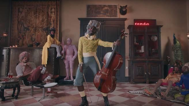 "Blood Orange in seinem Video zu ""Benzo"""