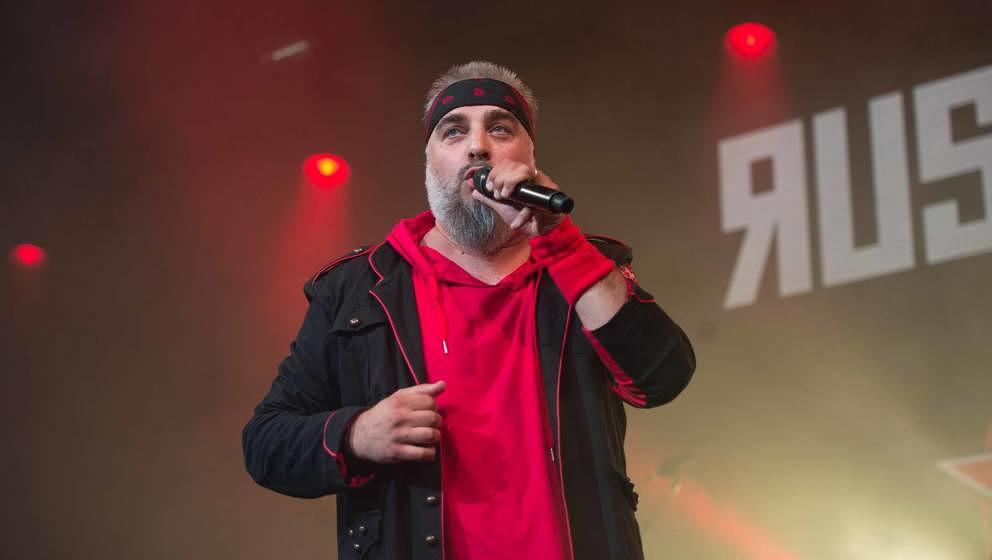 18.07.2019, Seeflughafen , Cuxhaven/Nordholz, GER, Festival, Konzert, Deichbrand, Band  im Bild 'RUSSKAJA 'live im Palastzel