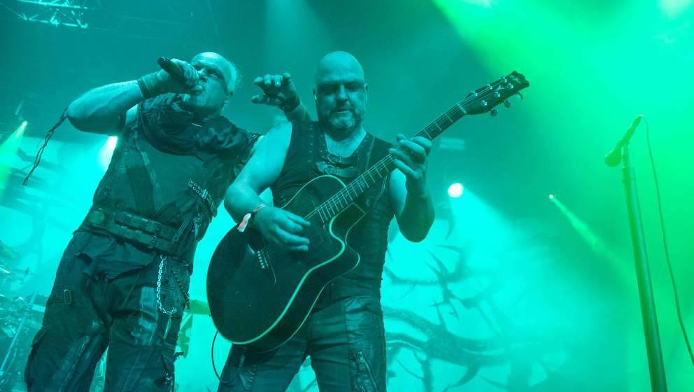 18.07.2019, Seeflughafen , Cuxhaven/Nordholz, GER, Festival, Konzert, Deichbrand, Band  im Bild ' SUBWAY TO SALLY'live im Pa