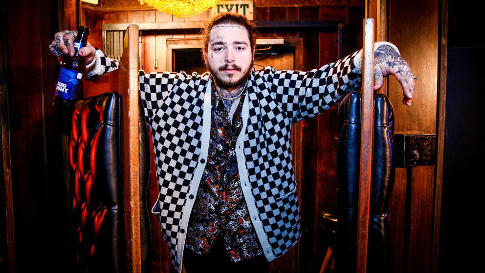 LOS ANGELES, CA - MARCH 20:  Post Malone behind the scenes before his Bud Light Dive Bar Tour show in Nashville at Footsies D