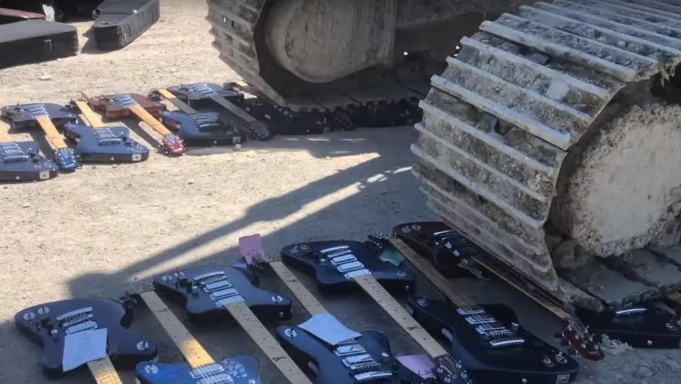 Ein geleaktes Video zeigt die Zerstörung Hunderter scheinbar intakter Gibson-Gitarren. Das Netz reagiert empört.