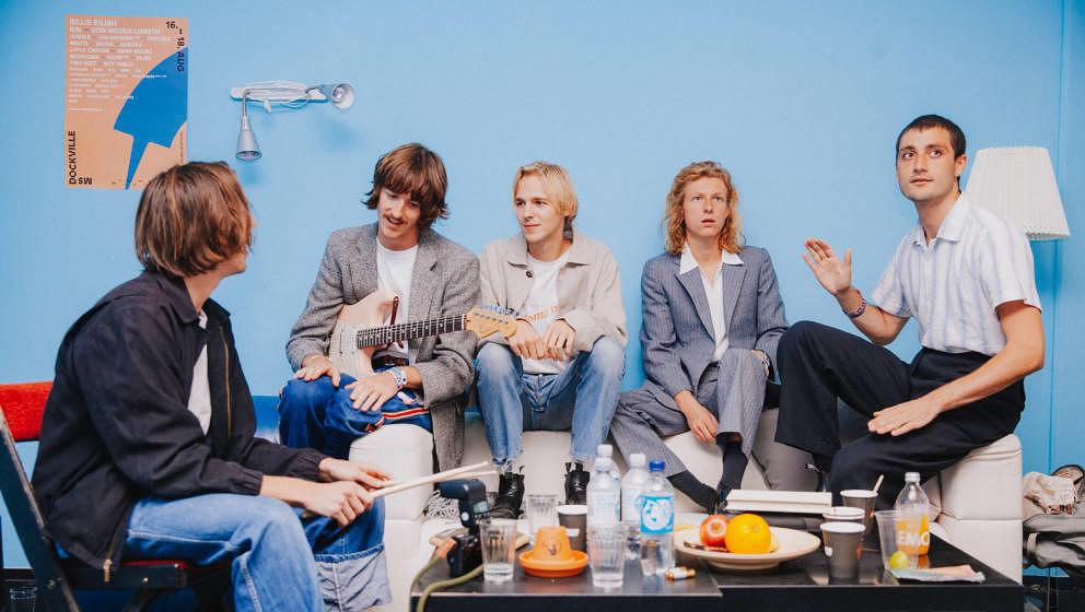 Die Parcels überraschen ihre Fans mit einem Live-Studioalbum, das bereits am 30. April erscheint.