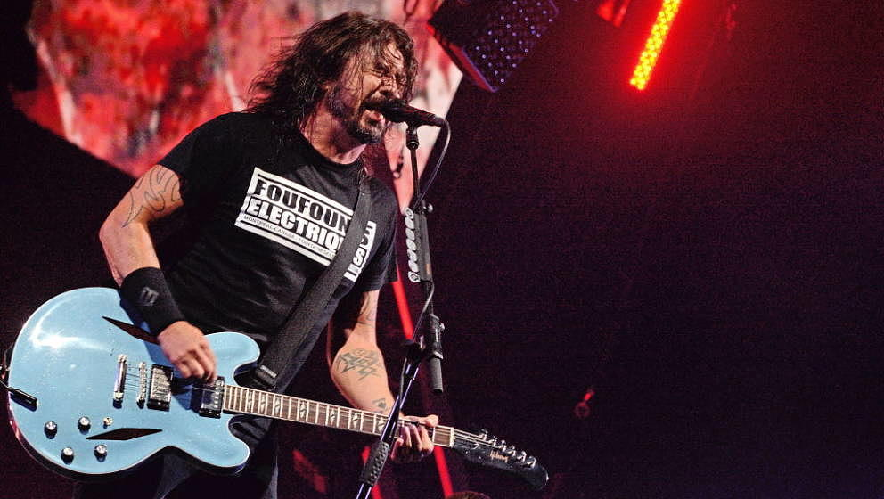 BUDAPEST, HUNGARY - AUGUST 13:  Dave Grohl  of Foo Fighters performs on Sziget Festival on Au  (Photo by Didier Messens/Redfe