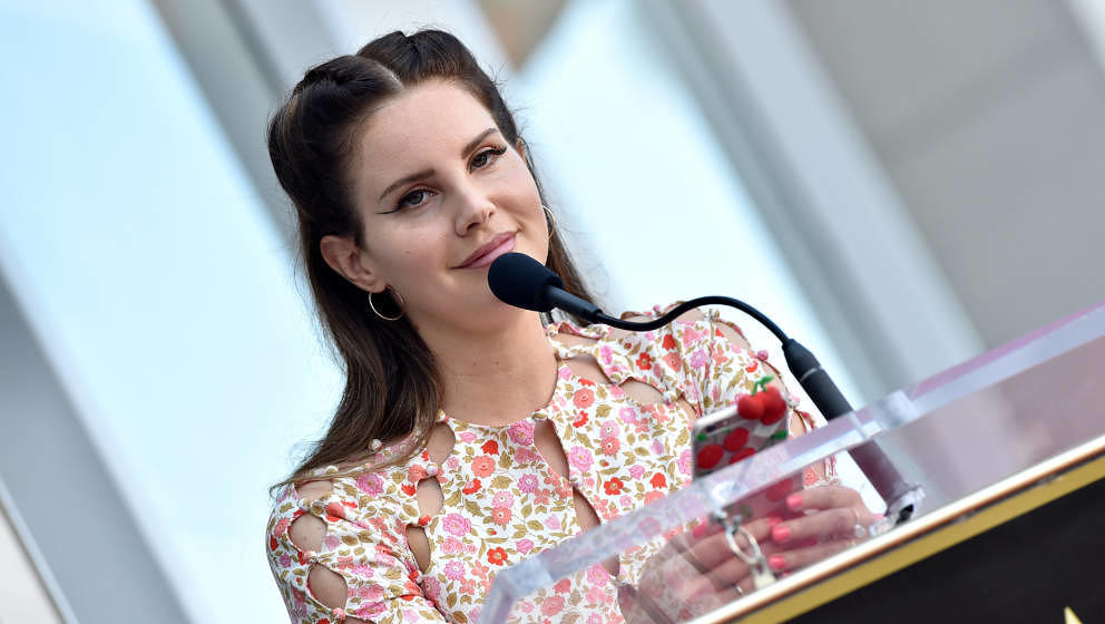 HOLLYWOOD, CALIFORNIA - AUGUST 06: Lana Del Rey attends the ceremony honoring Guillermo del Toro with a star on the Hollywood