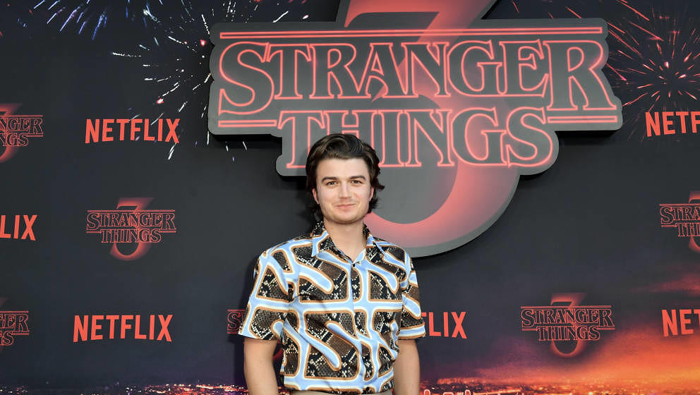 "Joe Keery am 4. Juli 2019 auf der Premiere der dritten Staffel ""Stranger Things"" in Paris"