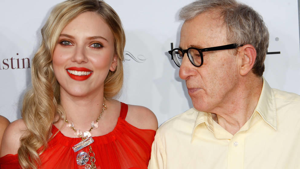 WESTWOOD, CA - AUGUST 04:  Actress Scarlett Johansson (L) and director Woody Allen arrive at the premiere of Weinstein Compan