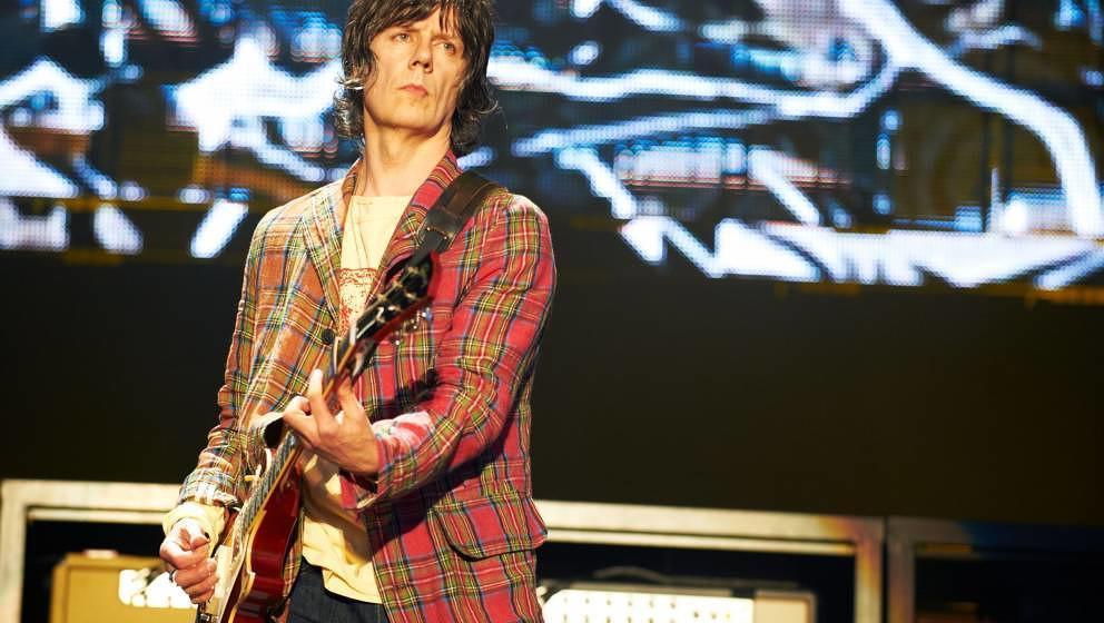 John Squire bei einem Auftritt von The Stone Roses 2012 in Manchester
