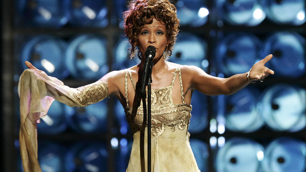 LAS VEGAS, NV ? SEPTEMBER 15:  Singer Whitney Houston performs during the 2004 World Music Awards at the Thomas and Mack Cent