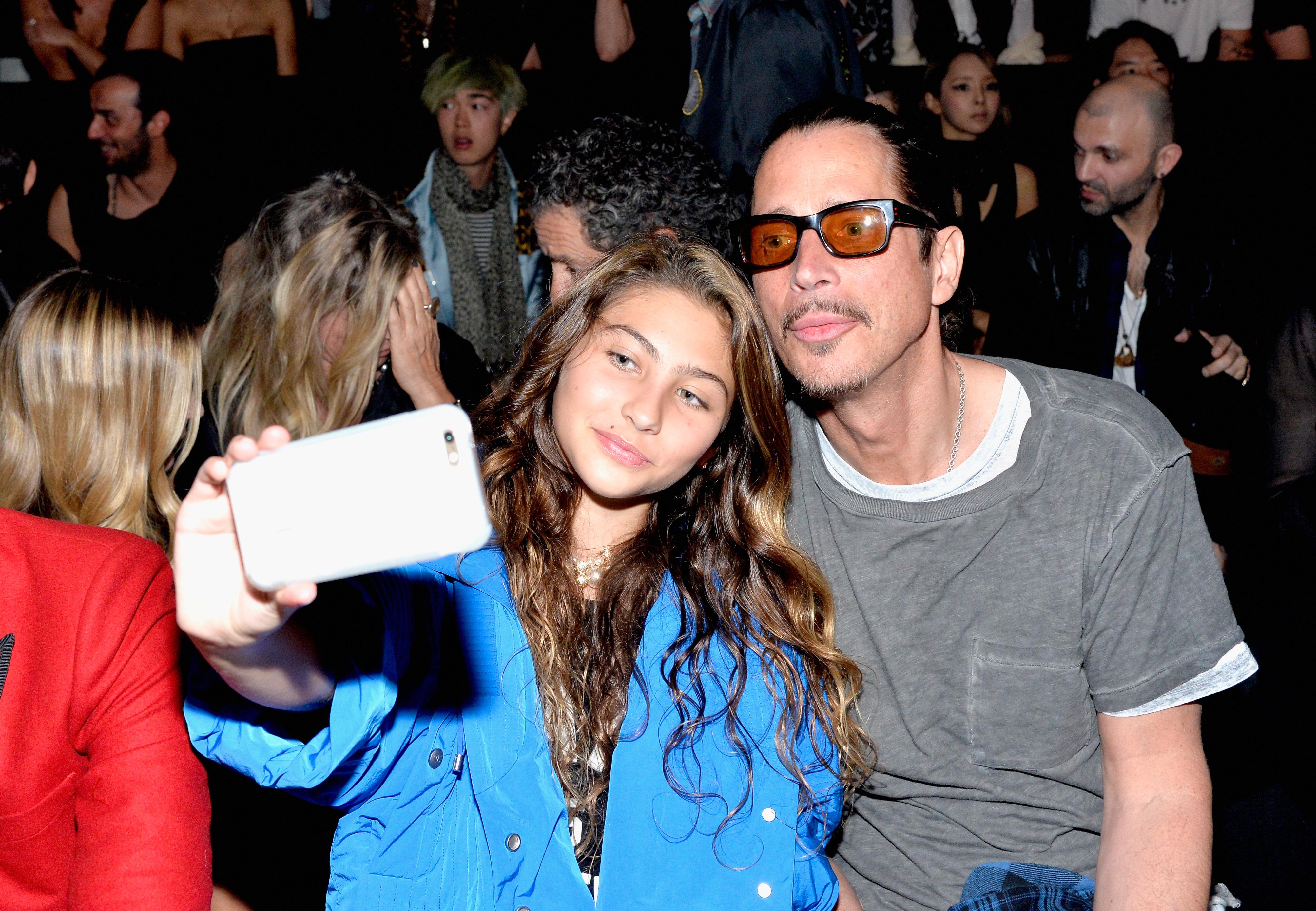"Toni Cornell: Chris Cornells Tochter veröffentlicht Debüt-Single ""Far Away..."