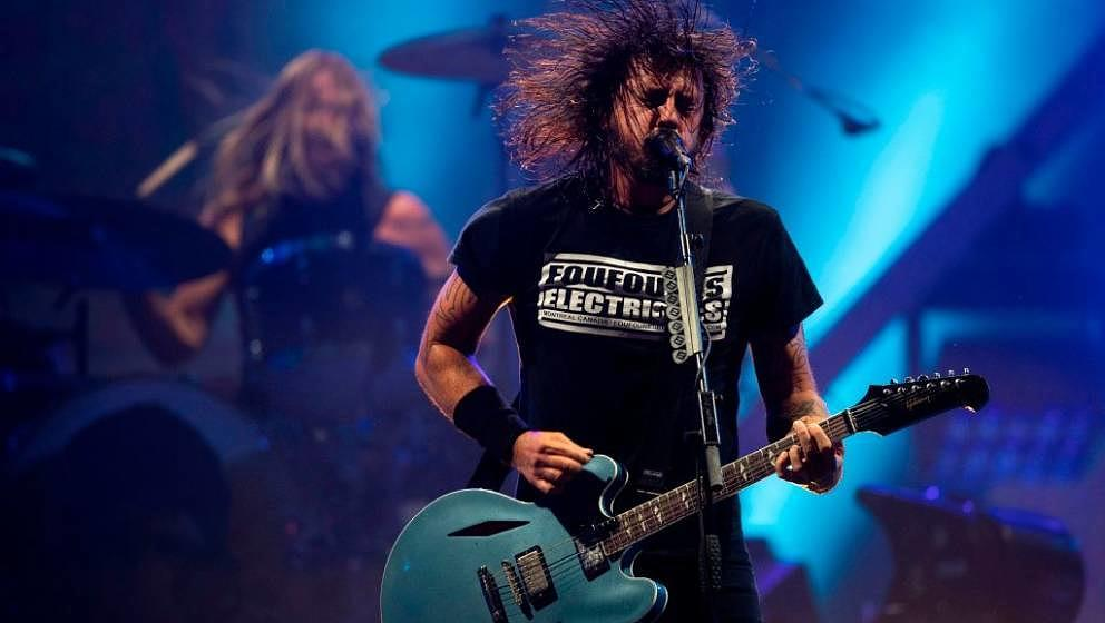 US singer and guitarist Dave Grohl of US rock band Foo Fighters performs onstage during the Rock in Rio festival at the Olymp