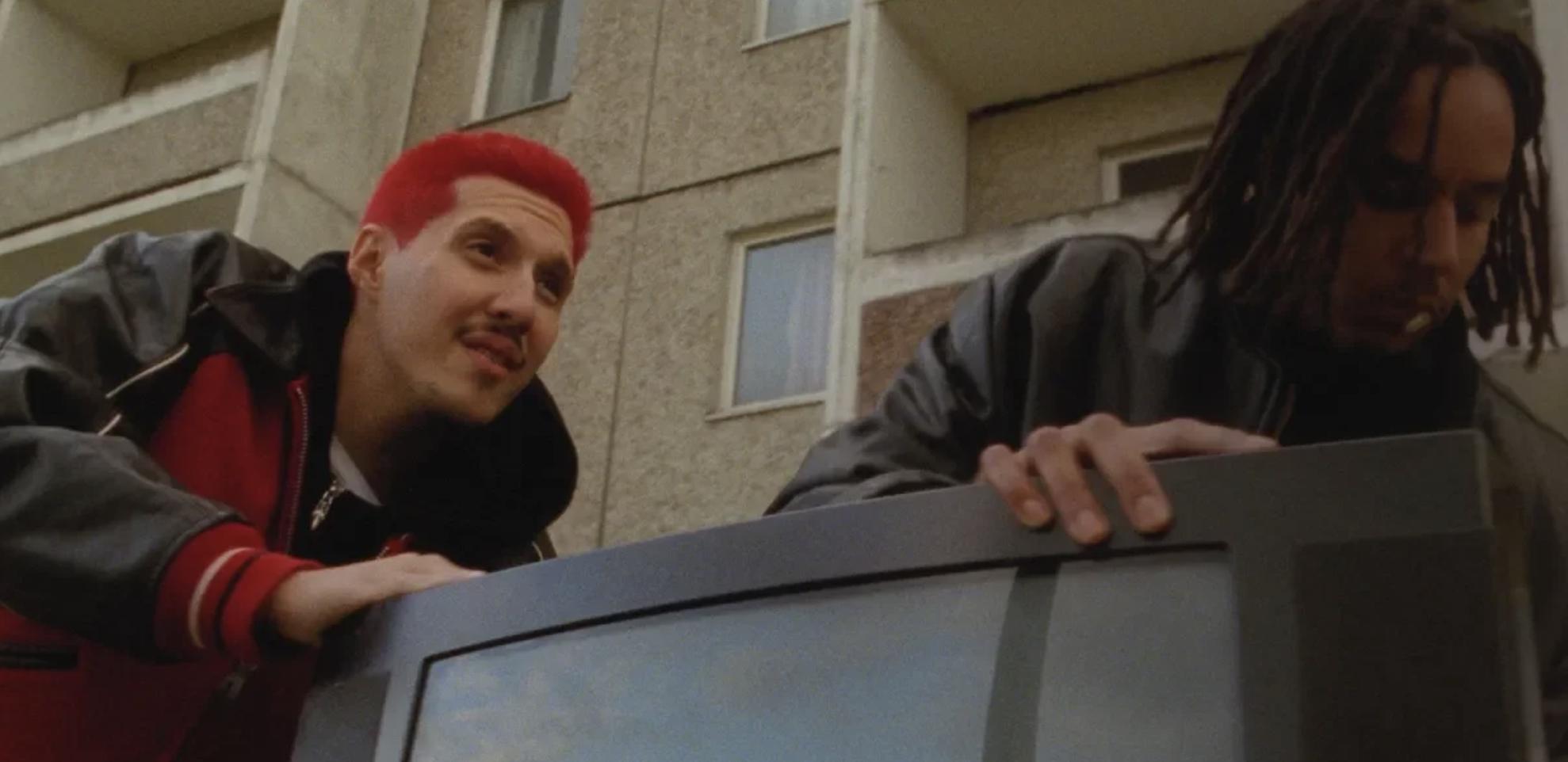 """Rin feat. Bausa: In """"Keine Liebe"""" covern die Rapper aus Bietigheim die Band..."""
