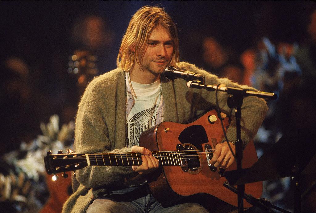 Der Besitzer von Kurt Cobains Cardigan erklärt, warum er das Sammlerstück...