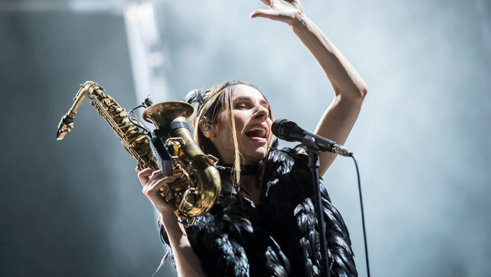 BARCELONA, SPAIN - AUGUST 23:  PJ Harvey performs in concert at Poble Espanyol on August 23, 2017 in Barcelona, Spain.  (Phot