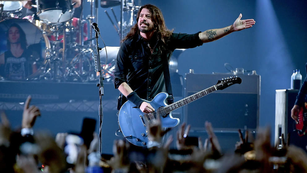 ATLANTA, GA - FEBRUARY 02:  Dave Grohl of the Foo Fighters performs onstage at DIRECTV Super Saturday Night 2019 at Atlantic
