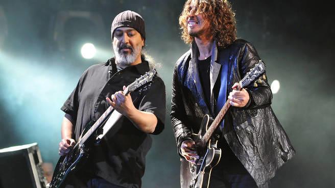 Kim Thayil und Chris Cornell von Soundgarden beim Hard Rock Calling, Juli 2013